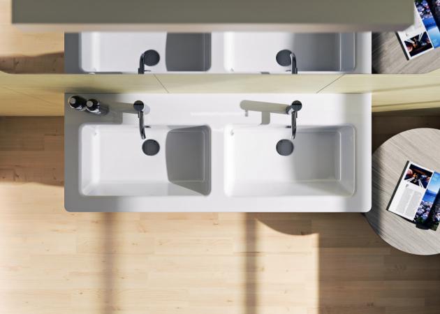 Dvojumyvadlo Concept 300 (Concept), 125 × 48,5 × 18 cm, úprava Cataglaze, s otvorem, bílá, cena 13 987 Kč, WWW.KOUPELNY-PTACEK.CZ