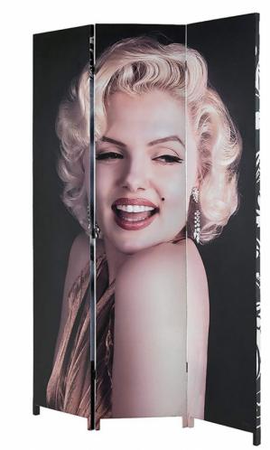Nezaměnitelný styl firmy Tomasucci vznikl již v 50. letech minulého století. Nechte se inspirovat moderním designem a stylovými doplňky, které se hodí nejen do koupelny. Paravan Marylin (Tomasucci), 120 × 180 × 2,5 cm, cena 4 058 Kč, WWW.BONDER.CZ