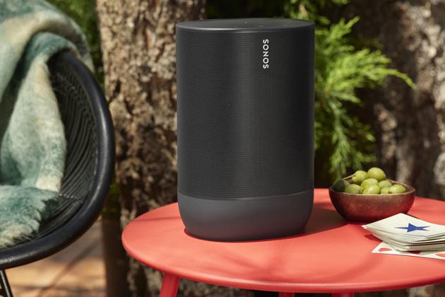 Značka Sonos představuje Move – první reproduktor zportfolia, který je napájený baterií a je určený pro poslech vexteriéru.