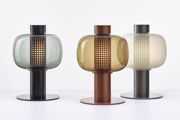 Představujeme vám úplně první kolekci venkovního osvětlení vportfoliu českého výrobce Brokis.  Bonbori byla vytvořena světoznámou japonskou designérkou Fumie Šibatovou, která se inspirovala tradičními papírovými lampami, které lemují cesty kesvatyním a chrámům během každoročních japonských festivalů spojených se sklizněmi.