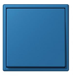 Kolekce LS 990 (Jung) zahrnuje 63 barev, které vzájemně harmonicky ladí, ručně lakovaný matný povrch, cena na dotaz, www.vypinace-jung.cz6