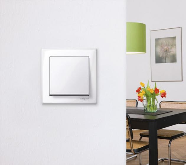 Vypínač zkolekce M-Smart (Schneider Electric), polykarbonát, cena 315Kč, www.schneider-electric.cz