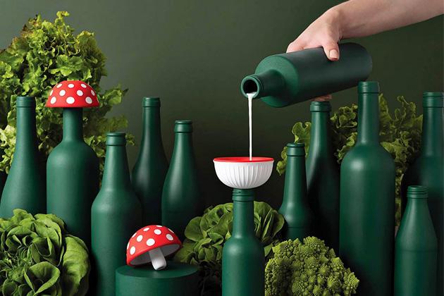 Trychtýř Magic Mushroom (Ototo Design), cena 14 $, WWW.OTOTODESIGN.CZ