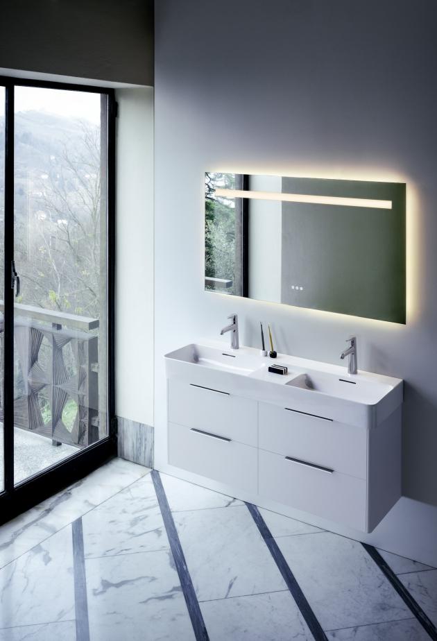 Nová zrcadla Leelo perfektně ladí se sérií VAL ale i s dalšími sériemi značky Laufen. Opět nabízejí širokou škálu rozměrů a zároveň moderní prvky