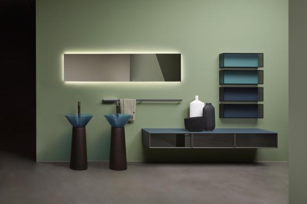 Volně stojící umyvadlo Albume (Antonio Lupi), design Carlo Colombo, materiál Cristalmood, ve více barvách, průměr 48 cm, orientační cena 151 936 Kč, WWW.TATTAHOME.COM