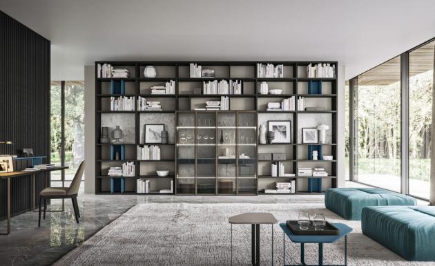 Knihovna Orme Day 25 Logico, MDF, povrchová úprava matný lak, lamino a sklo, 543 × 297,9 × 47,8 cm, cena od 216 750 Kč, WWW.CASAMODERNA.CZ