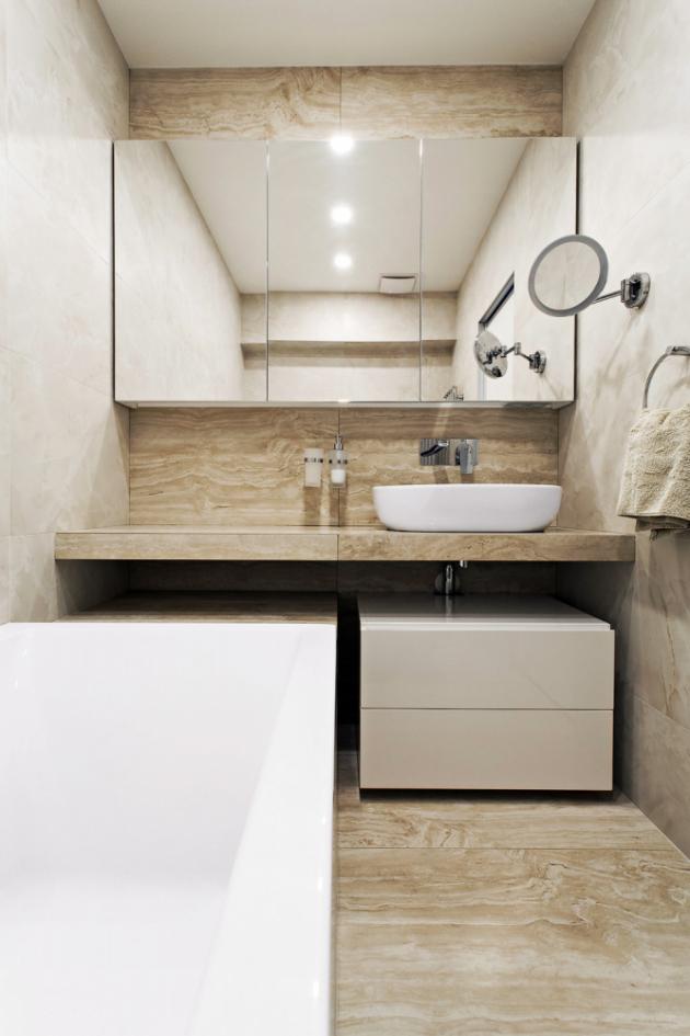 Materiálové propojení se propisuje také do koupelen, jejichž dispozice nabyla oproti původnímu řešení velkých změn. O dodávku koupelnového vybavení se postarala firma Perfecto (WWW.PERFECTO.CZ)