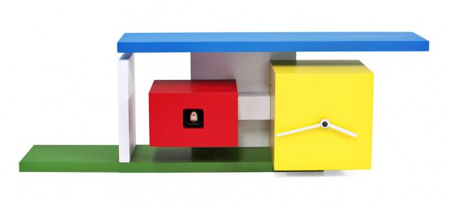 Nástěnné kukačky Mies (Progetti) navržené jako pocta architektovi Ludwigovi Mies van der Rohe, lakované dřevo, regulace hlasitosti, 13 × 48 × 16 cm, cena 8 709 Kč, WWW.NASTENNE-HODINY.CZ