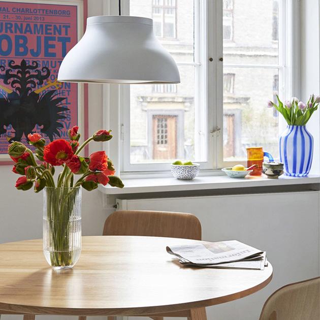 Hliník se stává jedním zdominujících materiálů vprodukci interiérového vybavení.