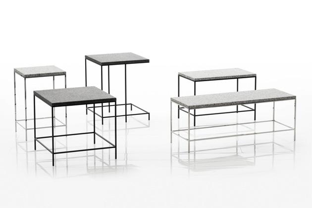 Odkládací stolky Tray (Brühl) od designérky Kati Meyer-Brühl se chlubí precizně zpracovanou kovovou základnou sjemným grafickým efektem.