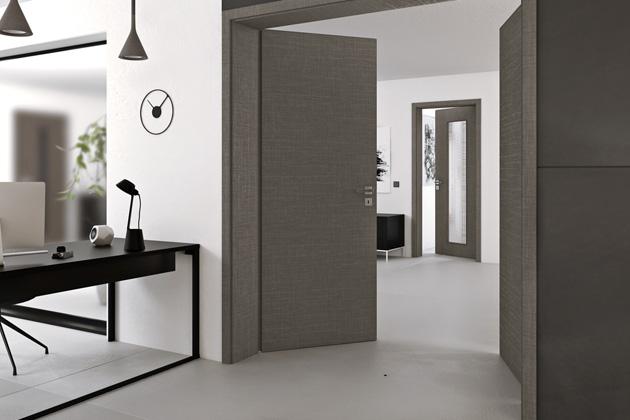 Dvoukřídlé otočné dveře Prüm Royal 110 (Prüm), inovativní hrana Premiumkante, povrch CPL Karo dark, cena od 14 070 Kč, WWW.PRUM.CZ