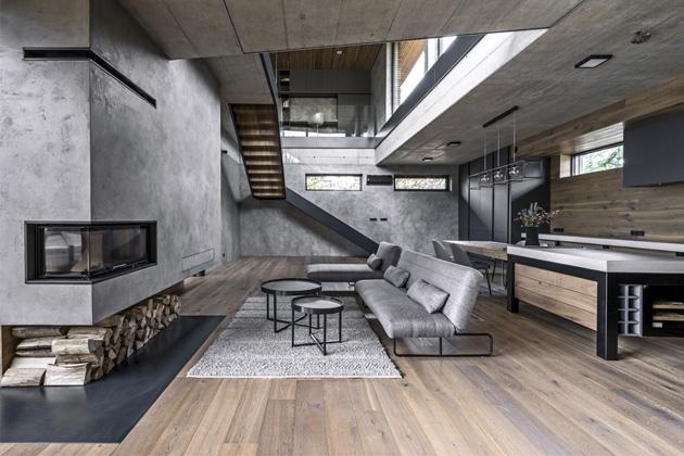Technicistní charakter provedení interiéru vychází z materiálového schématu stavby