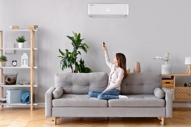 Příjemnou teplotu vdomě či bytě ive velmi teplých dnech zajistí klimatizační zařízení, které se pomalu stává standardem ivčeských domácnostech