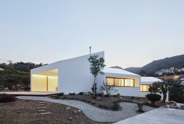 Autorem stavby na ostrově Mallorca je architektonické studio OHLAB.