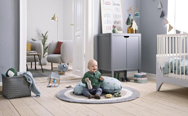 Ručně háčkovaný koberec Beige (Sebra) slouží jako hrací podložka idekorace, 100% bavlna, průměr 120 cm, cena 3189 Kč, www.elarte.cz