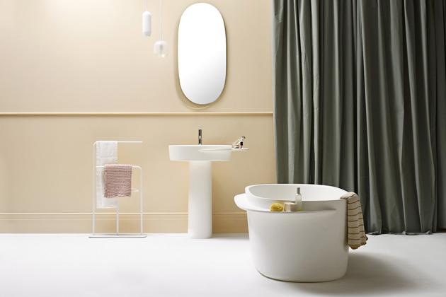 Závěsné svítidlo Raso (Ex.t), design Sebastian Herkner, mléčné a čiré sklo, dostupné v několika rozměrech a barevných provedeních, cena od 7 190 Kč, WWW.EX-T.COM