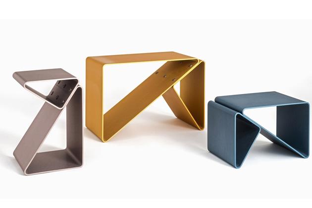 Multifunkční Trido (Frattinifrilli) skvěle poslouží jako odkládací stolek, úložný prostor na časopisy aknihy nebo stolička či lavice.