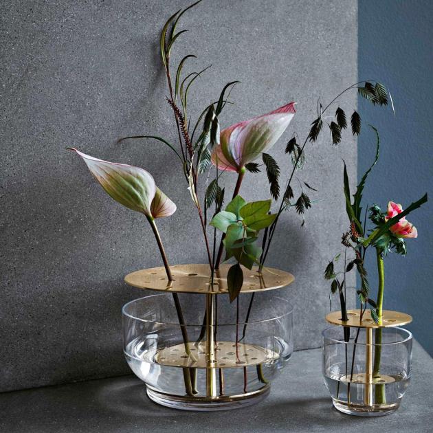 Vázy Ikebana (Fritz Hansen), design Jamie Hayon, víc rozměrů a tvarů, cena od 2 685 Kč, WWW.FRITZHANSEN.COM