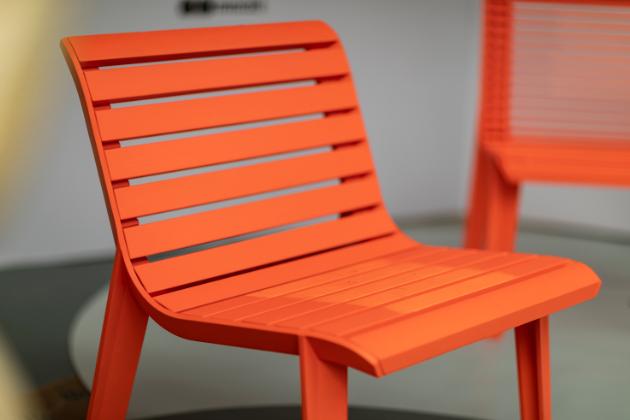 Přední český výrobce městského mobiliáře, značka mmcité, pokřtila svoji expozici na 22. ročníku festivalu Designblok hravým způsobem.