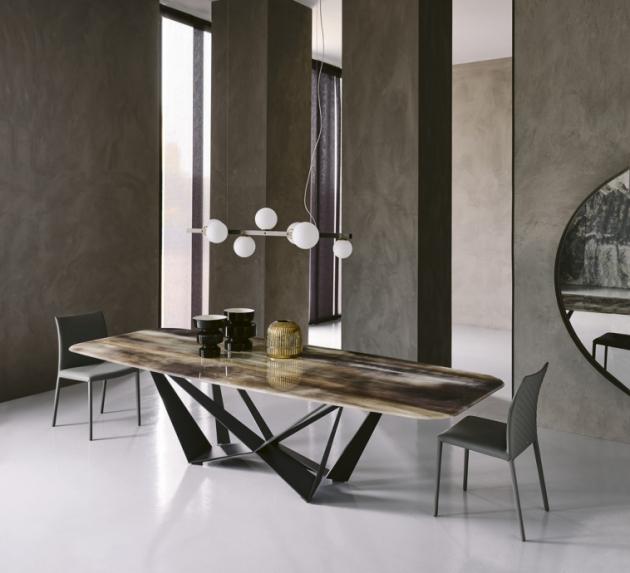 Stůl Skorpio Crystalart CY02 (Cattelan Italia), design Emanuele Tortora, podnož kov, skleněná deska inspirovaná vzácnými minerály, lze i keramika, více rozměrů, cena na dotaz, WWW. CARELLI. CZ