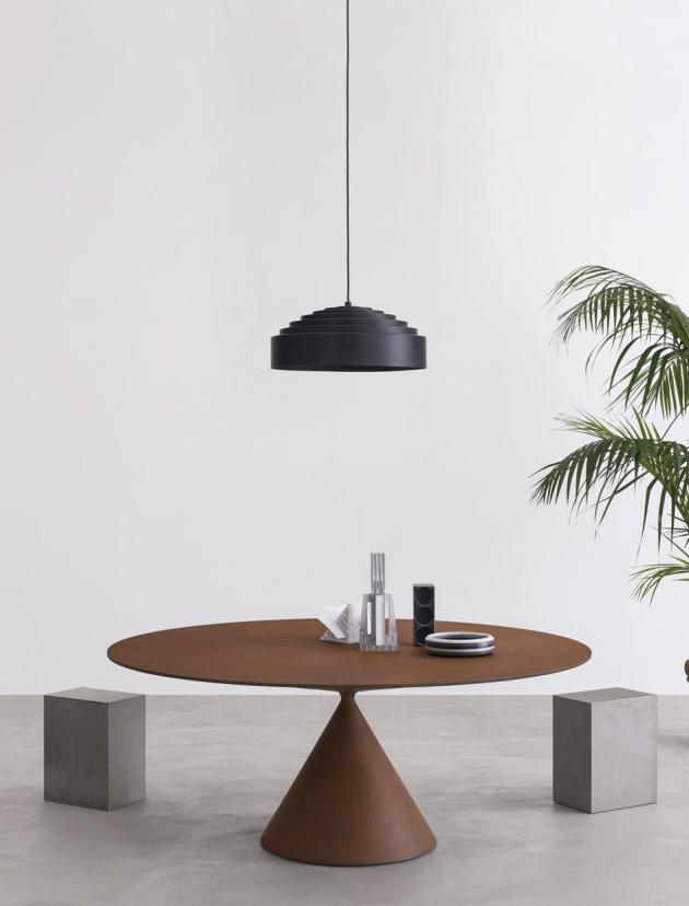 Stůl Clay (Desalto), design Marc Krusin, podnož polyuretan, deska MDF i sklo, keramika, mramor, kámen, cena 243 733 Kč, WWW. STOCKIST. CZ