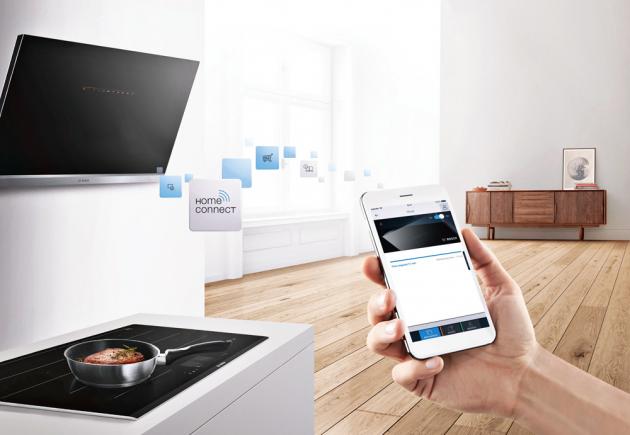 Indukční deska PXY875KW1E (Bosch), rozšířená indukční zóna, funkce PerfectCook a PerfectFry, systém Home Connect umožňuje diagnostiku závad na dálku, cena 44 990 Kč, WWW.BOSCH-HOME.CZ
