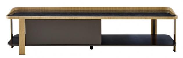 Televizní stolek Postmoderne (Ligne Roset), design Eric Jourdan, přírodní dub a dekor černého mramoru, cena 68 408 Kč, WWW.LIGNE-ROSET.COM