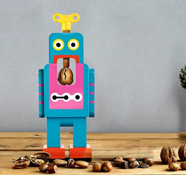 Louskáček Robot Crack Nuts (Suck UK), bukové dřevo, cena 22,75 $, WWW.SUCK.UK.COM