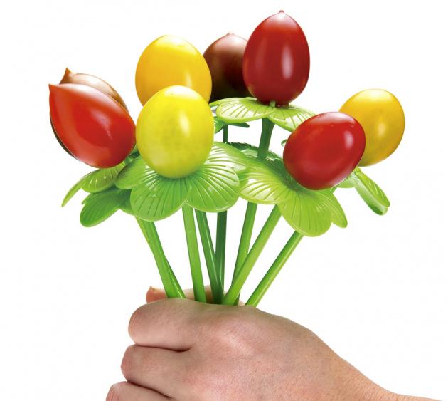 Servírovací napichovátka Blossom (Monkey Business) na ovocné jednohubky, 2 odstíny zelené, délka 15 cm, cena 6 $ / 12 ks, WWW.MONKEYBUSINESSUSA.COM