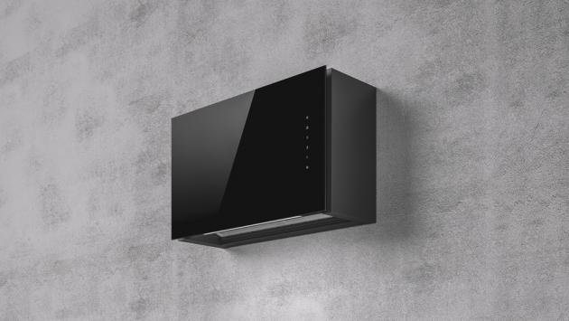 Tato novinka, odsavač RULES, nabízí možnost plného začlenění do horních kuchyňských skříněk s možností plynulého nastavení vlastní hloubky odsavače od 21 do 36 cm. V nabídce povrch sklo, Litina nebo vlastní panel v designu nábytku, dostupnost srpen 2020