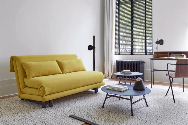 Rozkládací pohovka Multy (Ligne Roset), design Claude Brisson, rozměr spací plochy 153 × 194 cm, cena od 49 000 Kč, WWW.LIGNE-ROSET.COM