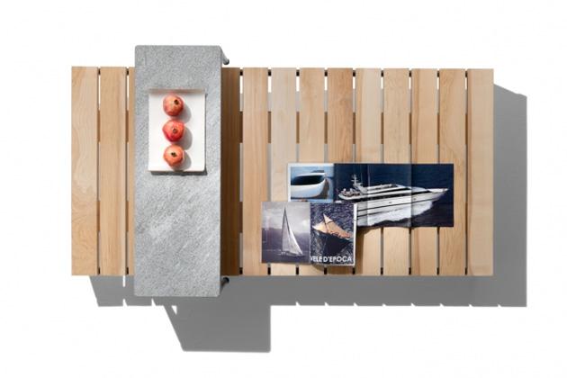 Čistý apřehledný design slibuje venkovní odkládací stůl Pico Outdoor (Flexform).