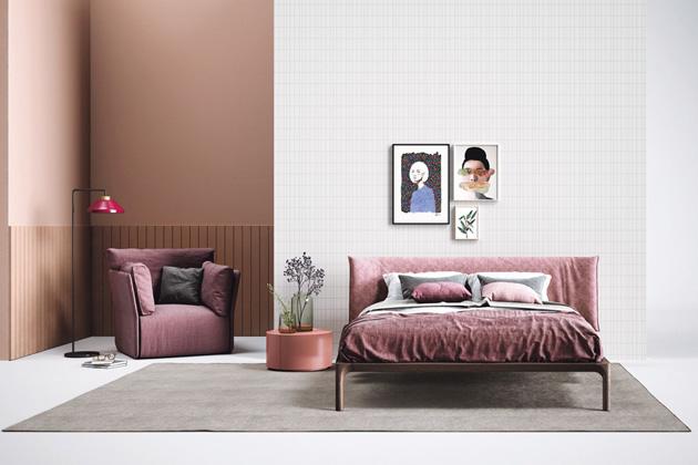 Postel Park, textilie, dubový rám, 160 × 200 cm, bez roštu a matrace, cena od 66 706 Kč, WWW.CASAMODERNA.CZ