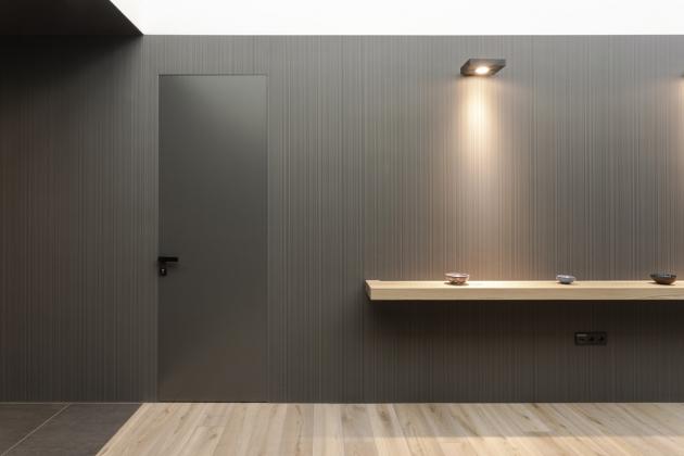 Dveře ve skryté zárubni Fortius 52 (Dorsis), výška až 3 500 mm, výběr z mnoha materiálů a odstínů, možné i použití skla, cena na dotaz, WWW.DORSIS.CZ
