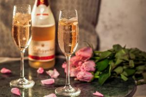 Rotäppchen Désalcoolisé Rosé: Připijte si nealko sektem!