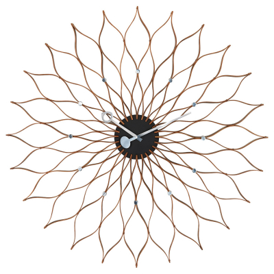Nástěnné hodiny Sunflower Birch (Vitra), design George Nelson, dřevo a hliník, O 75 cm, cena 26 666 Kč, WWW.LINO.CZ