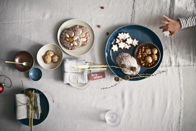 Talíře a misky z kolekce Junto (Rosenthal), porcelán, talíř, O 22 cm, orientační cena 500 Kč, WWW.ROSENTHAL. DE