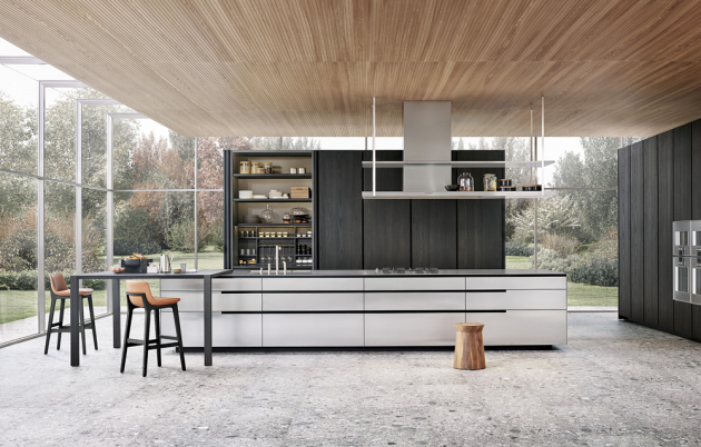 Kuchyňský koncept Phoenix (Poliform), design RD Poliform, dominantní odstín – perleťově šedá, lakovaný povrch, dřevo – americký masivní ořech, DuPont Corian a ocel, cena dle kompozice na dotaz, WWW.STOPKA.CZ