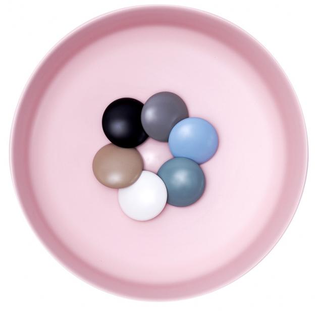Designové odtokové zátky jsou k dispozici přesně v barvě umyvadla, cena 980 Kč