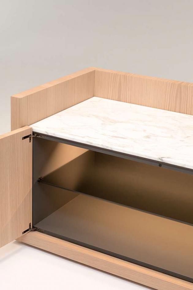 Série komod Liago (BB Italia) sofistikovaně parafrázuje architekturu.