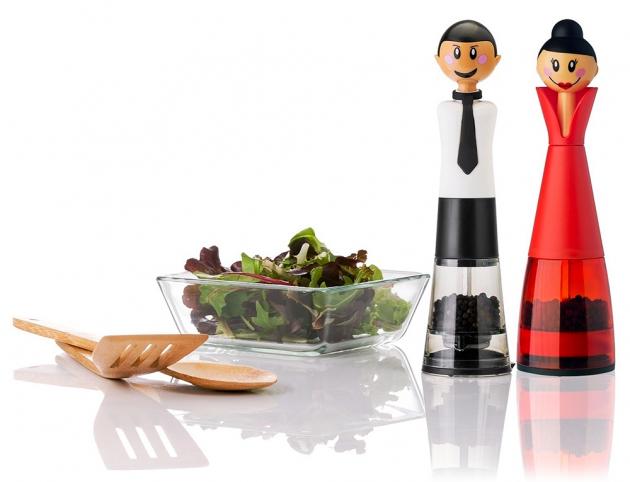 Mlýnky na sůl a pepř Georges a Dolls (Vigar), cena 599 Kč/ks, WWW. HDESIGNSHOP.CZ