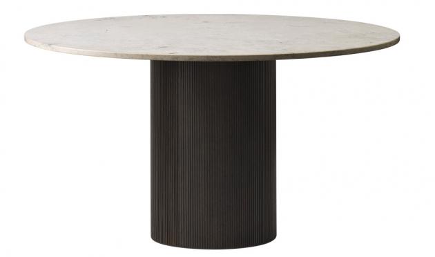 Stůl Vipp494 Cabin Round (Vipp), podnoží z masivního dubu, mramorová deska, průměr 130 cm, výška 73 cm, cena 114 623 Kč, WWW.STOCKIST.CZ