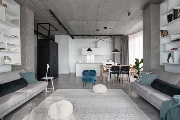 Interiér v jednoduchém stylu pro rodinu se dvěma dětmi