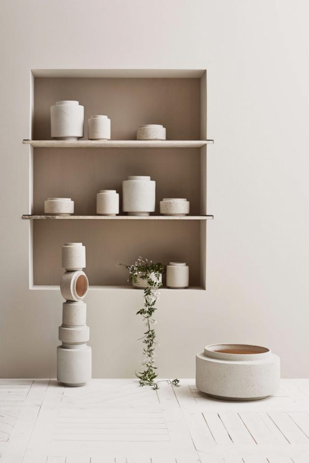 Květináče z kolekce Botanique (Bolia), design Granstudio, dostupné v několika různých velikostech, cena od 1 032 Kč, WWW.DESIGNVILLE.CZ