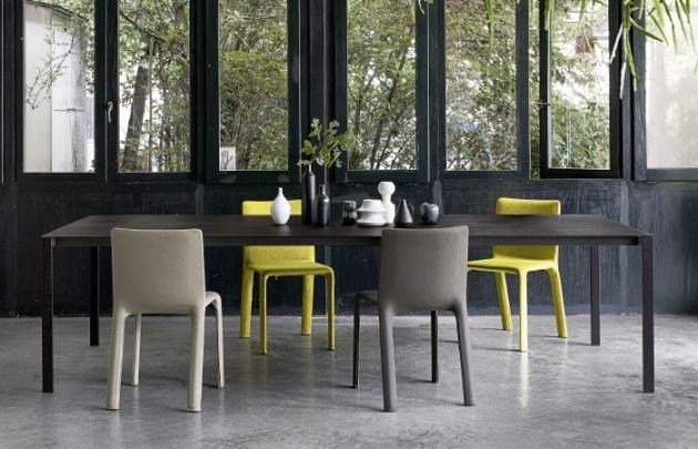 Jeden z nejoblíbenějších stolů v sortimentu značky Kristalia dostává nový vzhled!