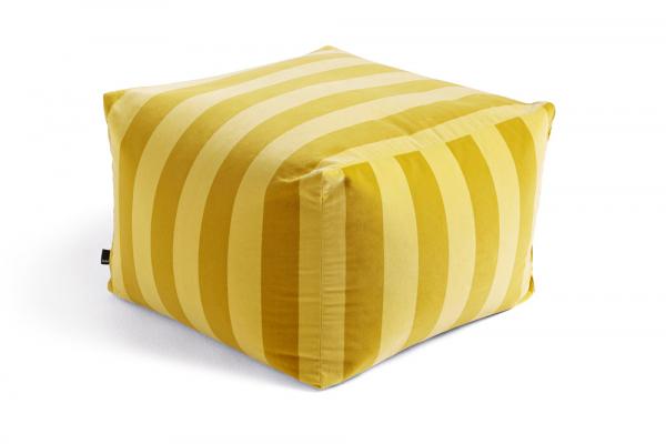 Puf Soft Stripe Pouffe (HAY), výplň z EPS kuliček, 59 × 59 × 40 cm, cena 6 206 Kč, WWW.DESIGNVILLE.CZ