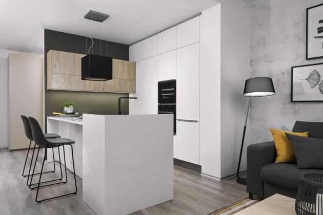 Kuchyň Comfort (Hanák Nábytek) s ostrůvkovým řešením s povrchem v lesklém laku, cena závisí na konkrétní modulaci, WWW.HANAK-NABYTEK.CZ