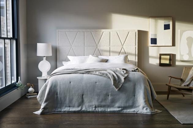 Kontinentální postel Tiara (Vispring) ze 100% přírodních materiálů, obsahuje shetlandskou vlnu a koňské žíně, cena na dotaz, WWW.DREAMBEDS.CZ