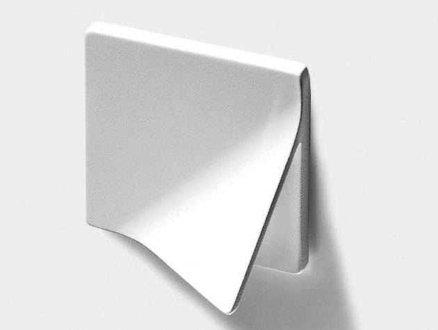 Kovové madlo Tri-Handle (Ermetika), 70 × 70 mm, cena na dotaz, WWW.ERMETIKA. COM