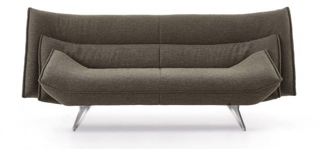 Sofa Mitchell (Koinor), podnož z nerezové oceli, čalounění textil nebo kůže, cena od 75 384 Kč, WWW.HOMESTYLE.CZ